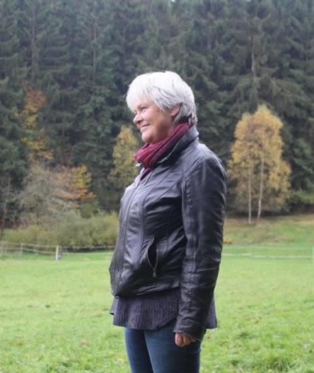 Dörthen Vetter Profilbild auf Wiese